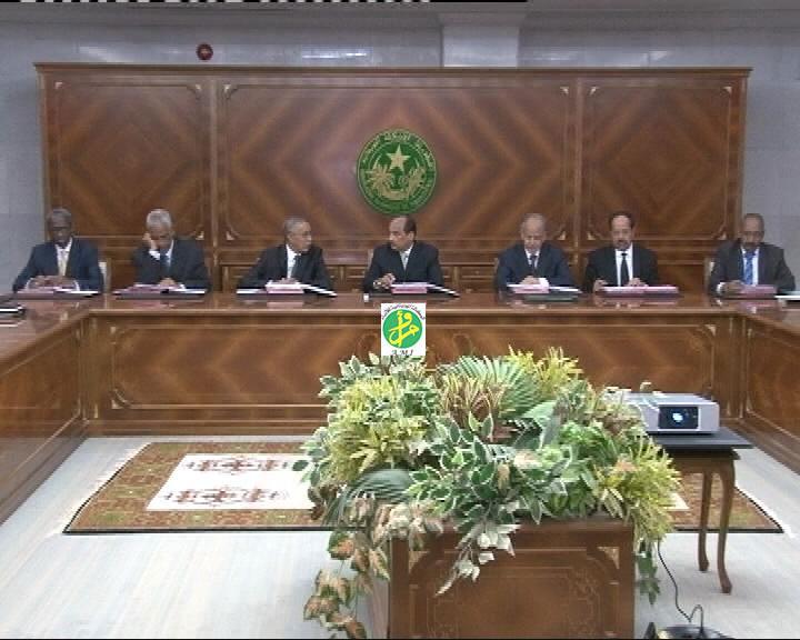 اجتماع لمجلس الوزراء والحوار أبرز ملفات الطاولة